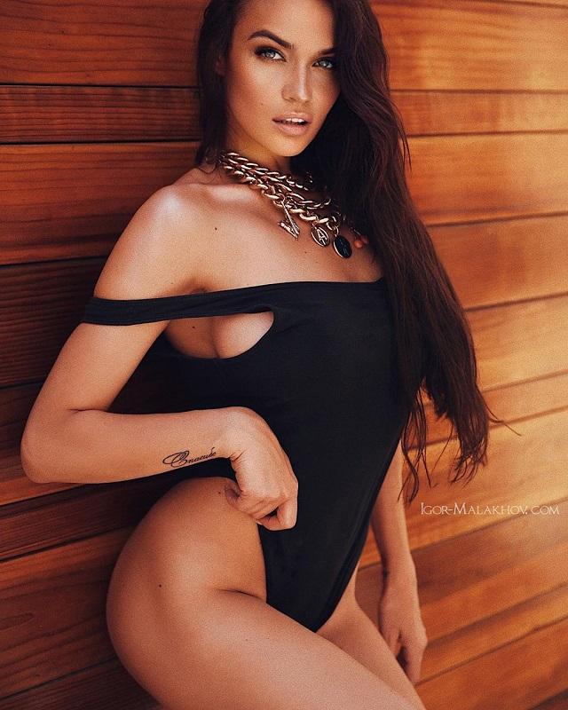Алена Водонаева снялась в новой откровенной фотосессии (12 фото)