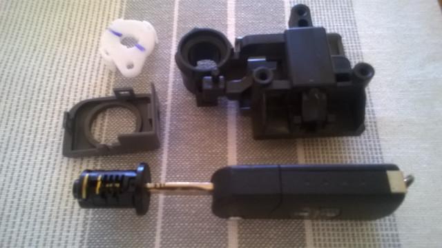BT-50-Glovebox-Lock.jpg