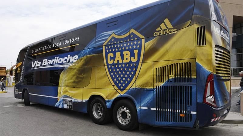 El plantel de Boca llega hoy a Paraná para jugar con Patronato, pero fanáticos no podrán acercarse a los futbolistas