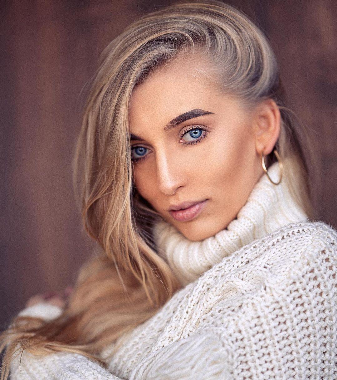 Aleksandra-Mucha-Wallpapers-Insta-Fit-Bio-3