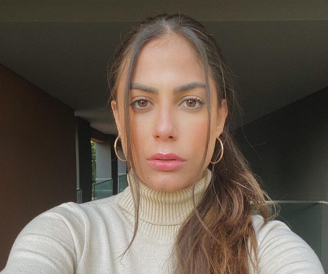 Mari-Gonzalez-Wallpapers-Insta-Fit-BIo-6