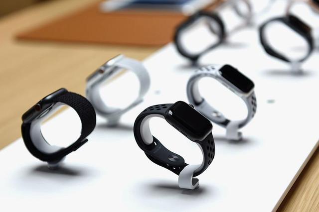 https-kr-hypebeast-com-files-2020-08-low-cost-apple-watch-release-rumor-1