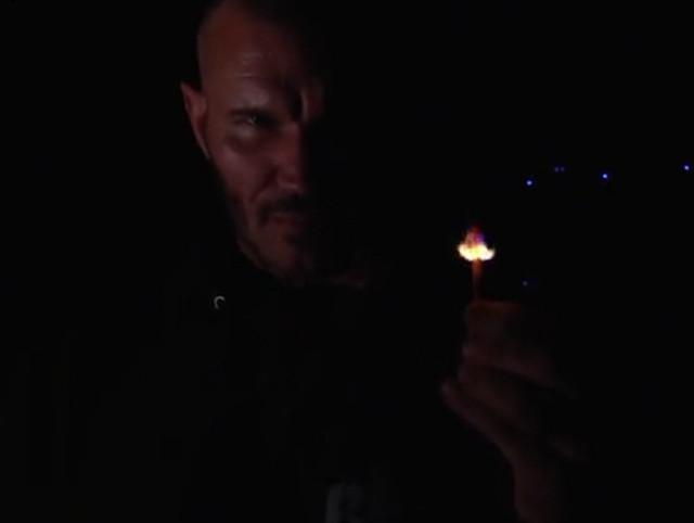 Randy Orton prende fuego a Alexa Bliss The Fiend Bray Wyatt