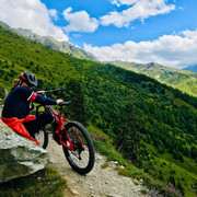 shania-switzerland-bikeriding081519-2