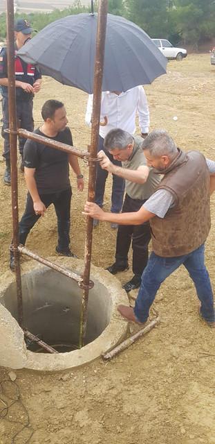 Burdur-un-Bucak-ilesinde-temizlemek-iin-girdikleri-su-kuyusunda-gazdan-zehirlendikleri-iddia-edilen-