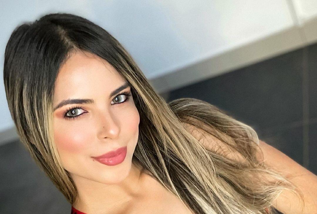 Jennifer-Giraldino-Wallpapers-Insta-Fit-Bio-17