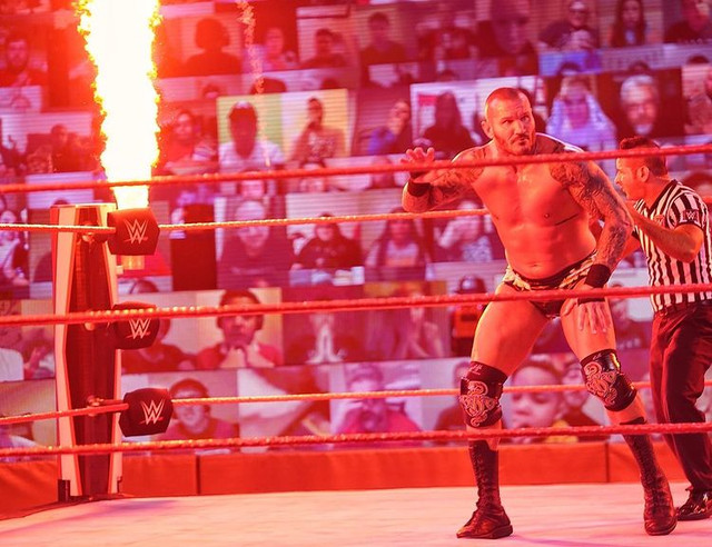 Alexa Bliss continúa asustando a Randy Orton RAW 8 Marzo