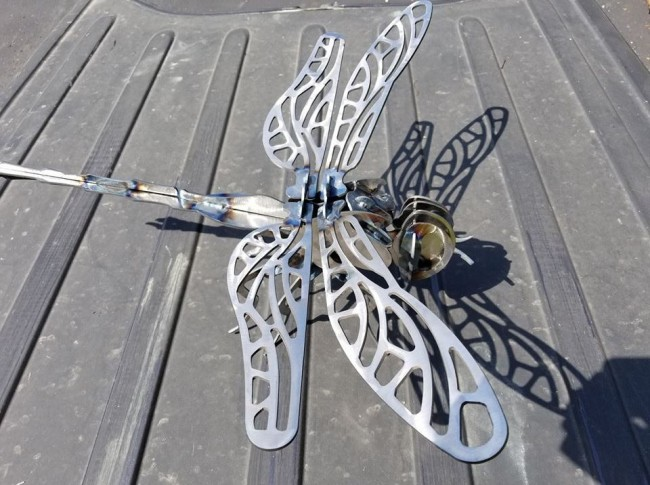 Dragon fly steel garden art (2)