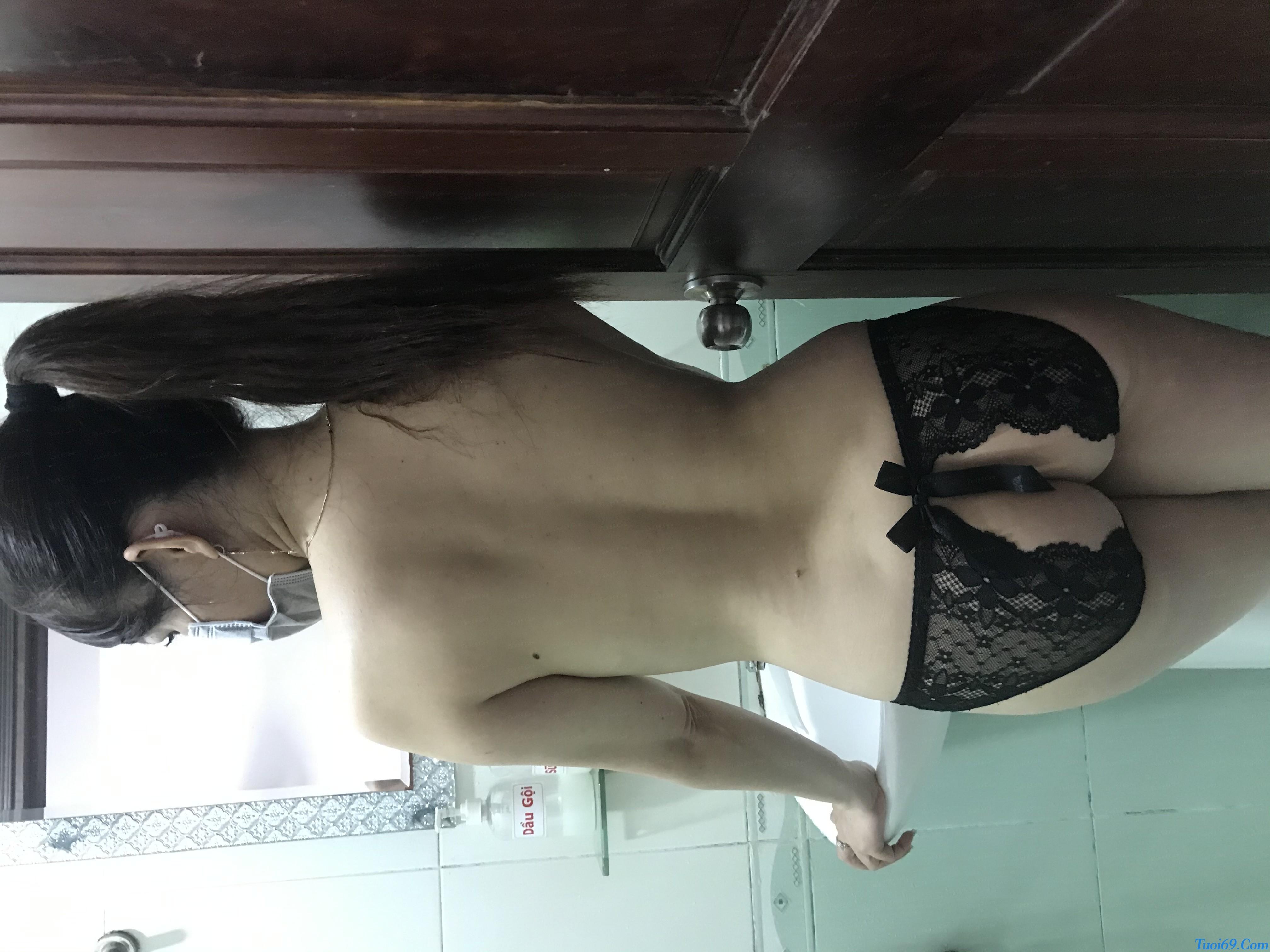 tuoi69net-review-em-gai-lan-huong-dam-nu-dang-yeu-chieu-khach-35
