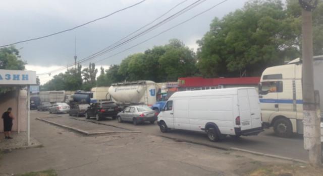 Авария на мосту в Николаеве заблокировала движение транспорта