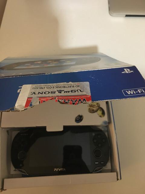 [Vendu] PS Vita Wifi enso sd2vita 128Go en boîte 80€ 53270659-6-FB5-495-E-B650-5-ED3-E8575-FA5