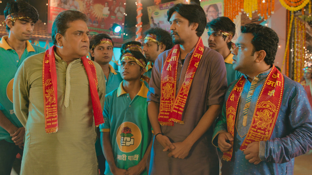 Chacha-Vidhayak-Hain-Humare-S02-E01-Ticket-Window-Is-Closed-1080p-AMZN-WEB-DL-DDP5-1-H-265-Telly-168