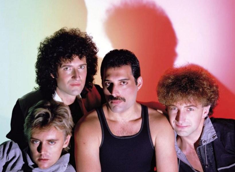 Istore Kisah John Deacon Bassist Band Queen Yang Memilih Hidup Dalam Kesunyian