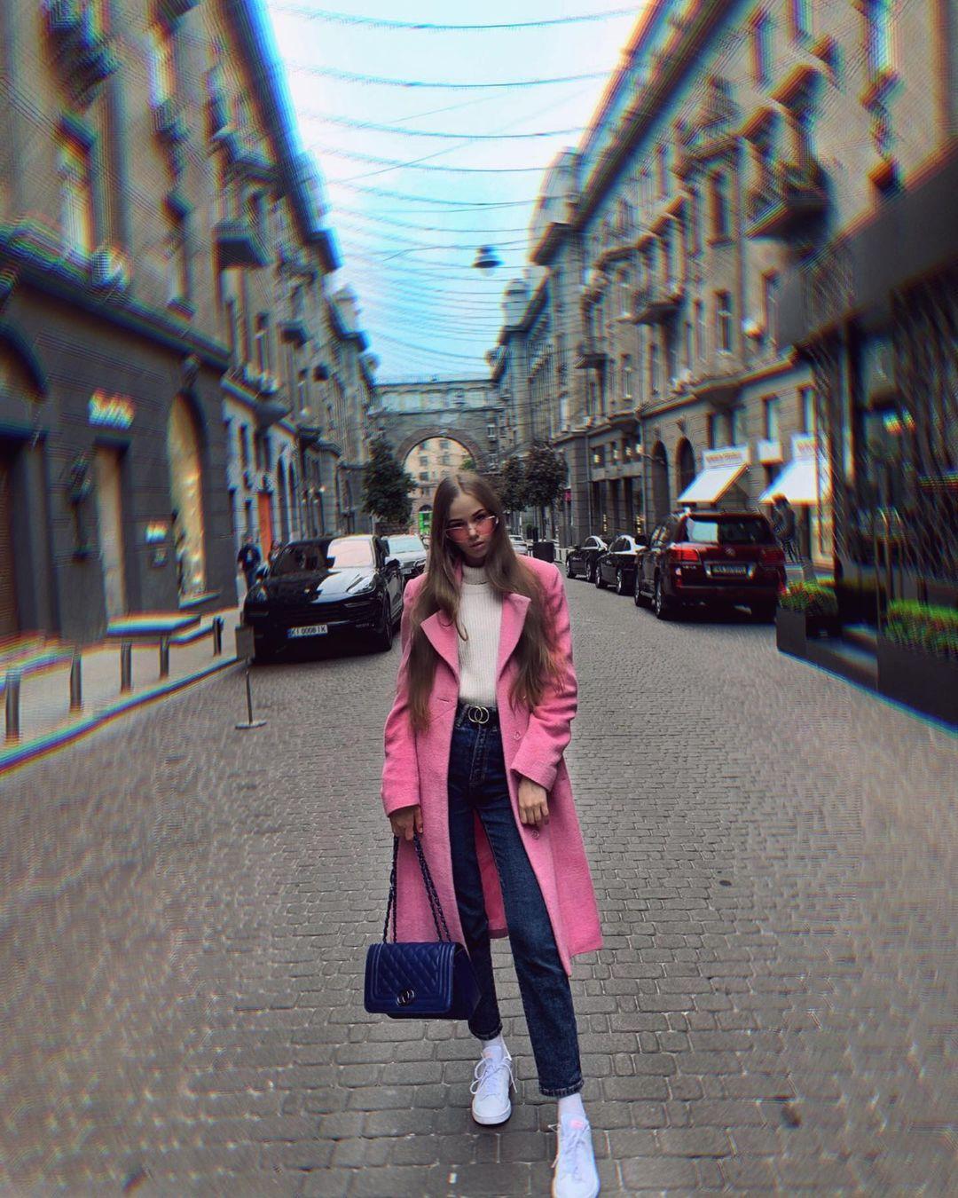 Kkriissstinaa-Wallpapers-Insta-Fit-Bio-Kristina-Kuzmenko-Wallpapers-Insta-Fit-Bio-7