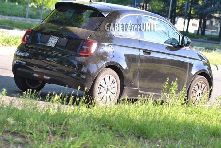 Fiat 500e (2020) 18