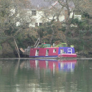 06-house-boat