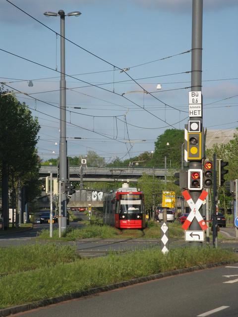 https://i.ibb.co/TPVm9rj/IMG-5430-BSAG-Wg-3006-Hafenbahn.jpg