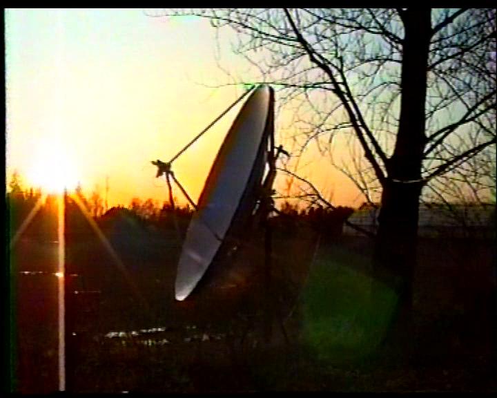 1993-04-08-3m-Aerial-Satellite-Antenna-with-Polarmount-03.png