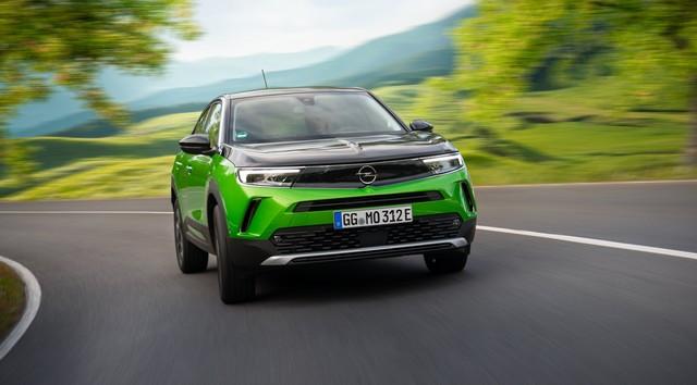 Direction les sommets : les électriques Opel à l'aise en montagne 07-Opel-513052