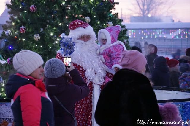 Зимний праздник новогодний прошел на свежем воздухе