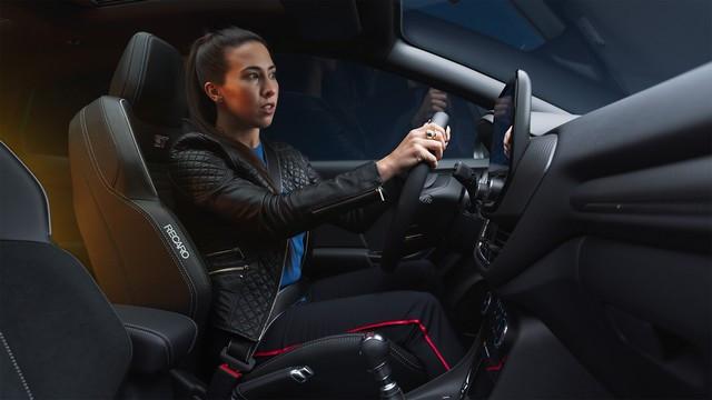 Ford innove avec une série de vidéos interactives dont vous êtes le héros pour présenter le tout nouveau SUV Puma ST FORD-PUMA-ST-REVEAL-FILMGRAB-Lucy-1-0-1920x1080