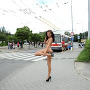 michaela-isizzu-nude-in-public-als-scan-5517660-797529626