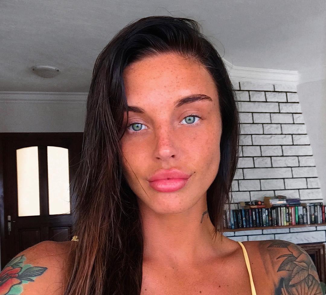 Lauren-Houldsworth-Wallpapers-Insta-Fit-Bio-29