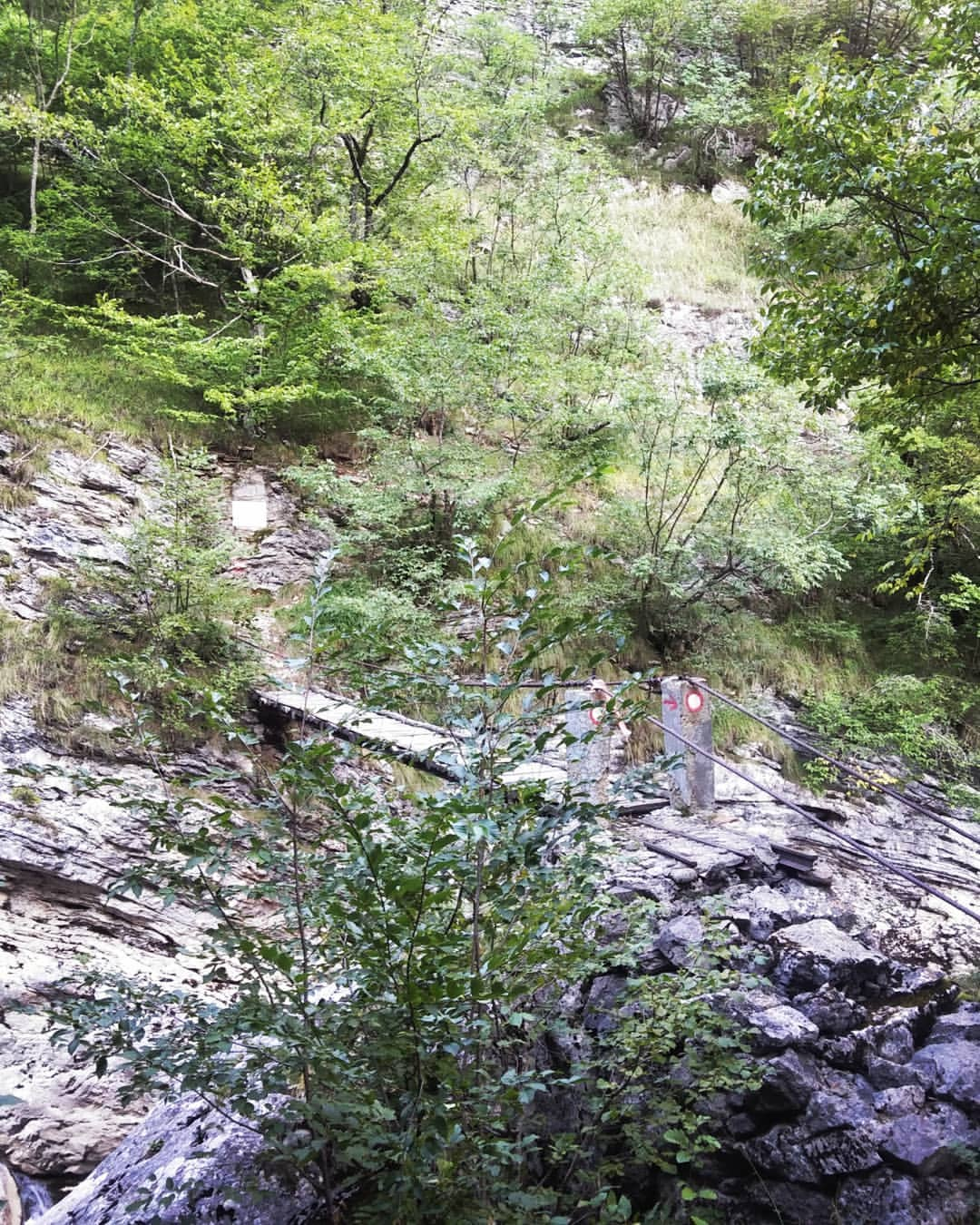 Some extraordinary hiking scenery in Bosnia 在波斯尼亚的一些非凡的远足风景