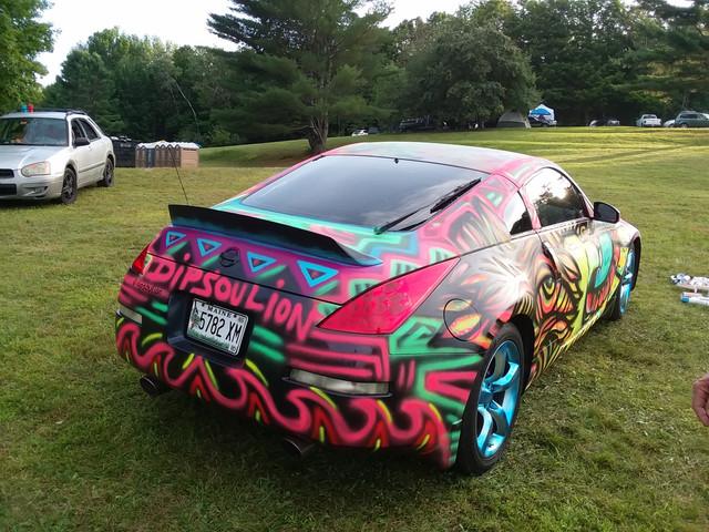 Sick sprayed car art at Green Love Fest