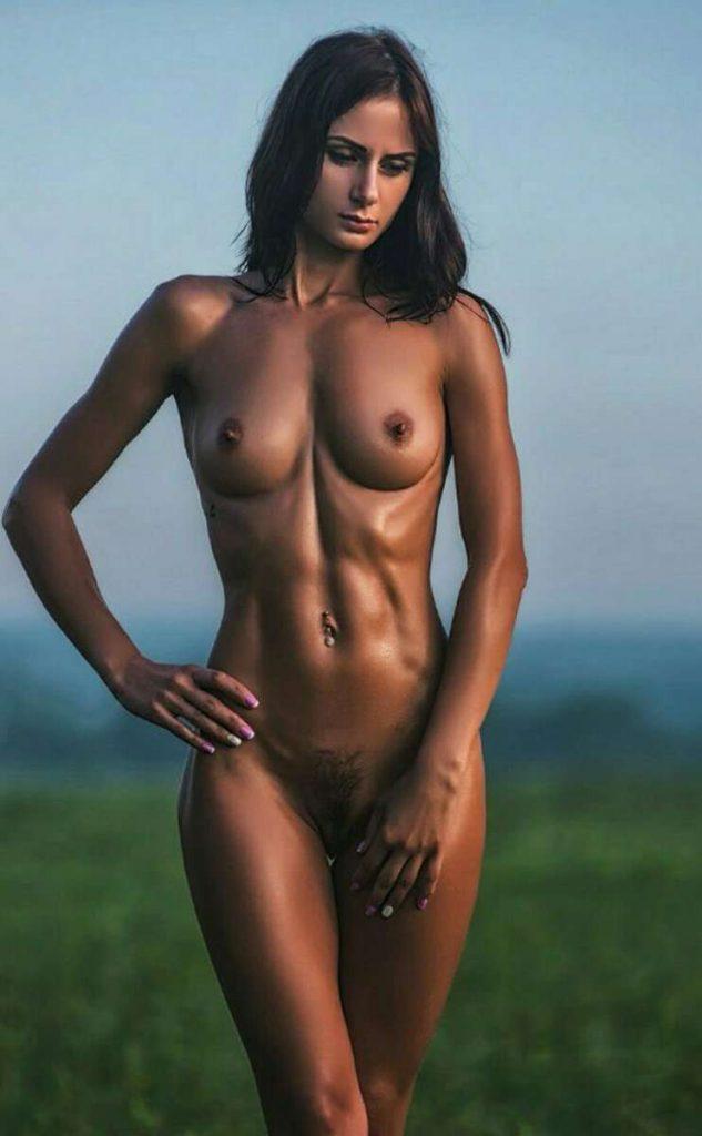 Voyeur-Flash-com-Anastasia-Appolonova-nude-3-633x1024