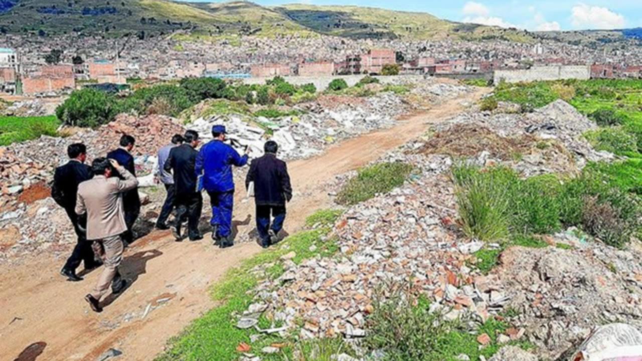 Puno: al menos 8 viviendas han sido construidas a orillas del lago Titicaca