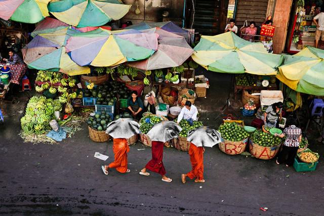 JR-women-are-heroes-cambodia-2.jpg