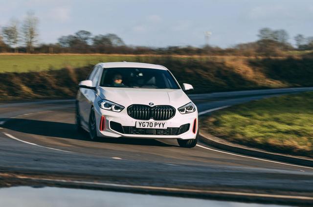2018 - [BMW] Série 1 III [F40-F41] - Page 32 648807-BA-BB9-E-4685-AF3-C-291-BE20-B2487