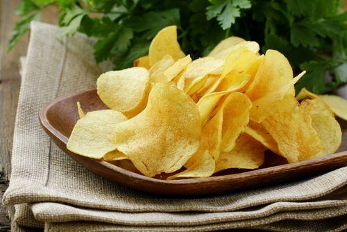 como-fazer-batata-chips-de-forno
