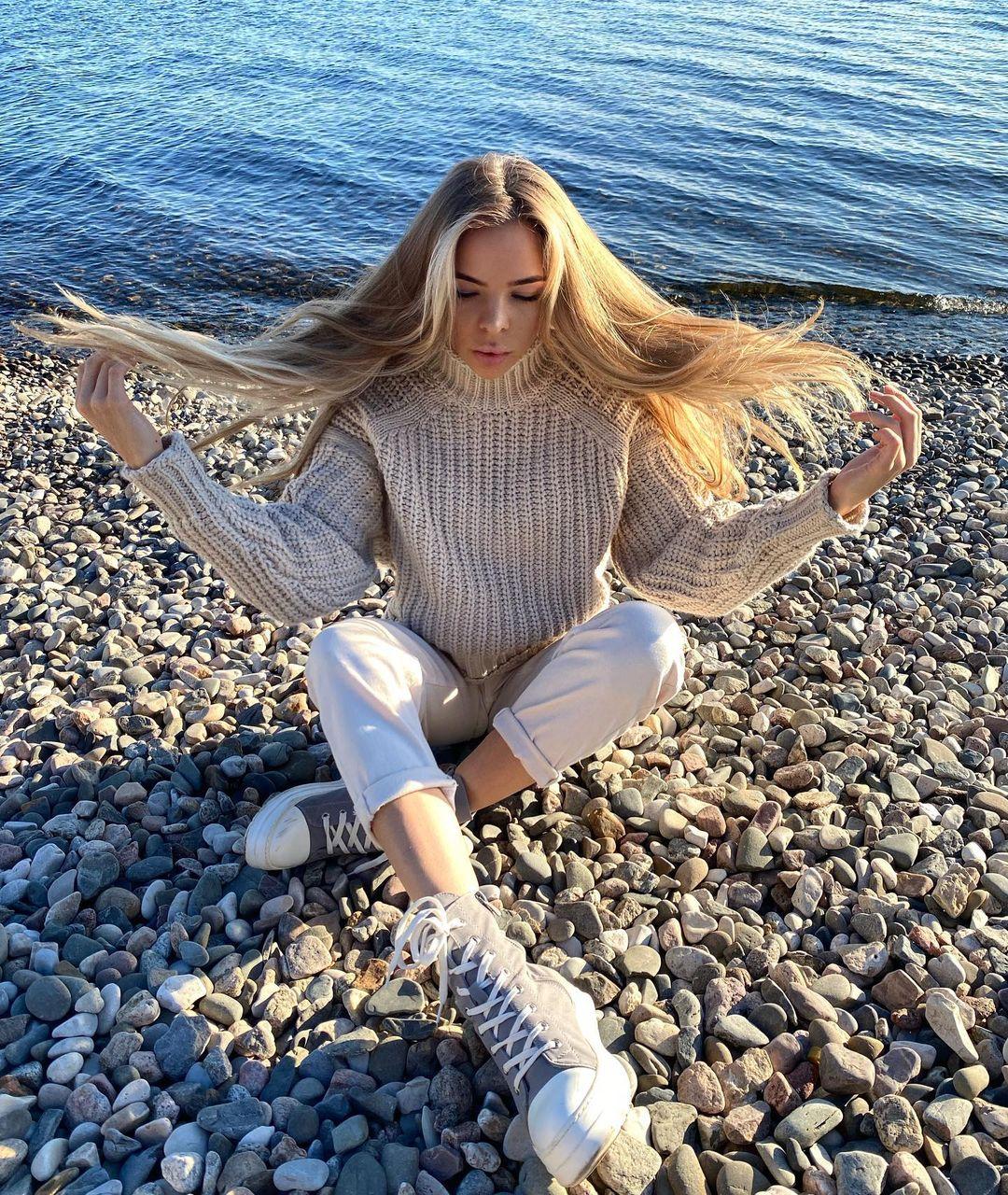Natalysyakova-Wallpapers-Insta-Fit-Bio-4
