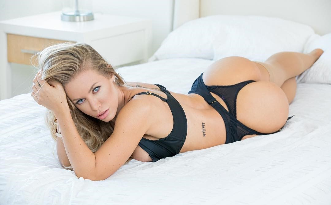 Nicole Aniston - Bio  Fitness Models Biography-5009