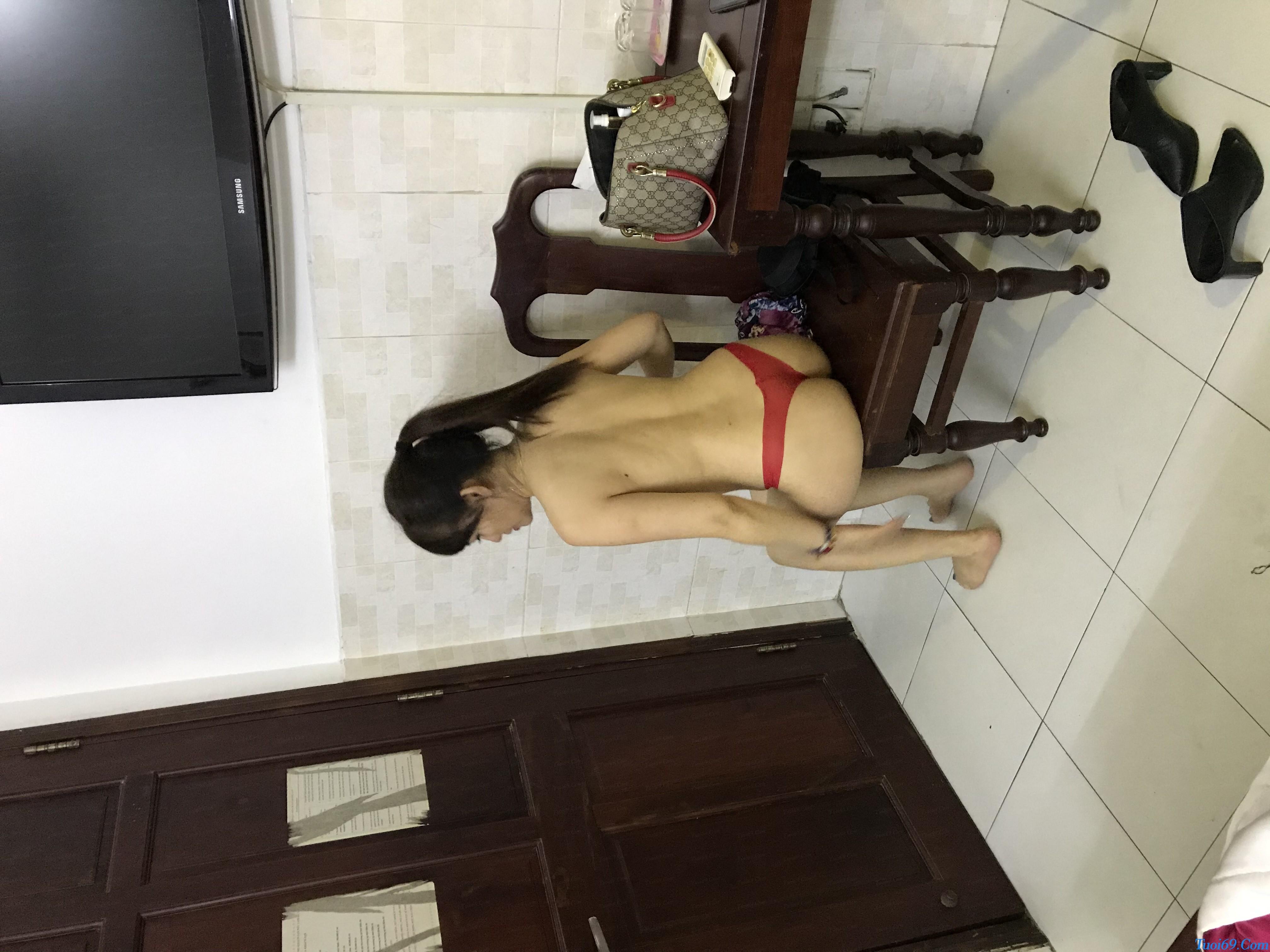 tuoi69net-review-em-gai-lan-huong-dam-nu-dang-yeu-chieu-khach-2