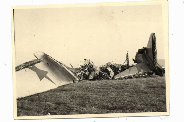 Foto-abgeschossener-Bomber-Flugzeug