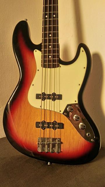 Madeiras Shelter Jazz Bass 2