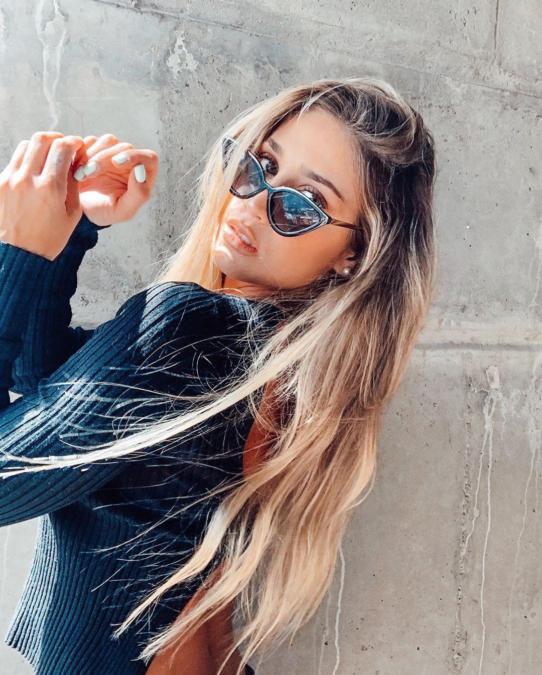 Valeria-Ortiz-Acevedo-Wallpapers-Insta-Fit-Bio-5