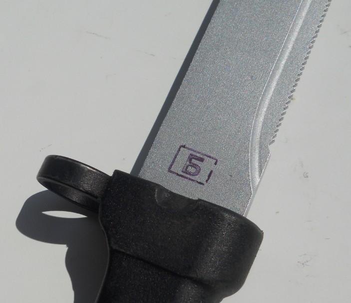 Les Baïonnettes de Kalashnikov. - Page 2 7
