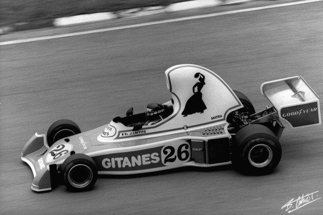Jacques Laffite Ligier JS5 1976.jpg