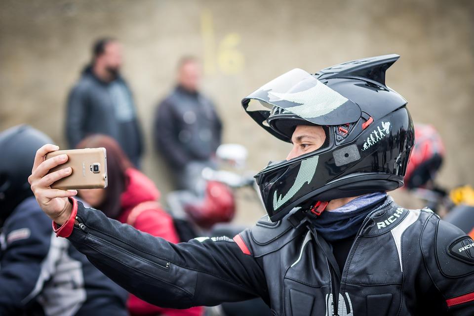 selfie-motociclista-revista-mototec