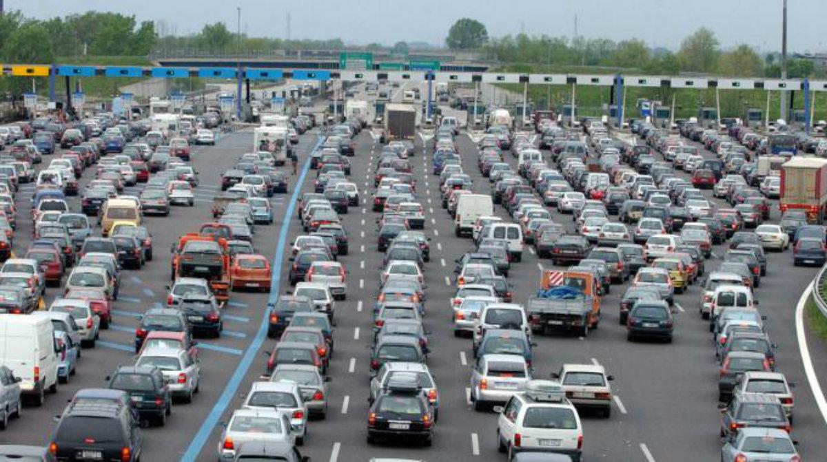 Autostrade, Assoutenti: Cashback ed esenzione pedaggi sono beffa per automobilisti