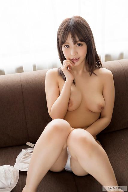 Kojima Minami & Momonogi Kana 小島みなみ & 桃乃木かな
