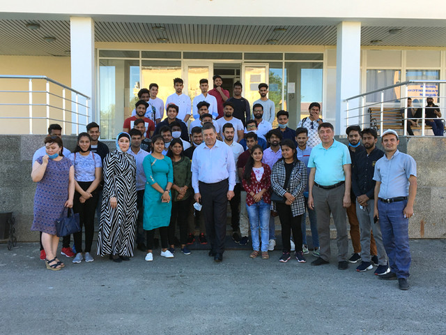 At the branch was held an event to see Indian students off to their homelands