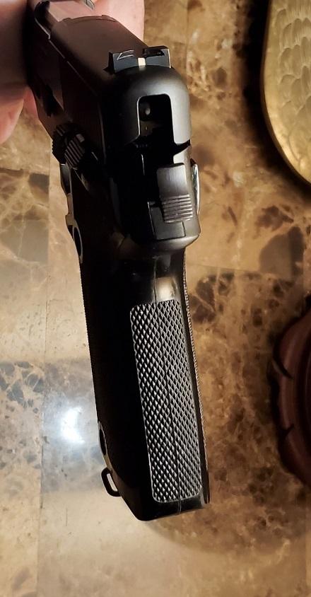 Browning-BDA-9mm-Sig-made7