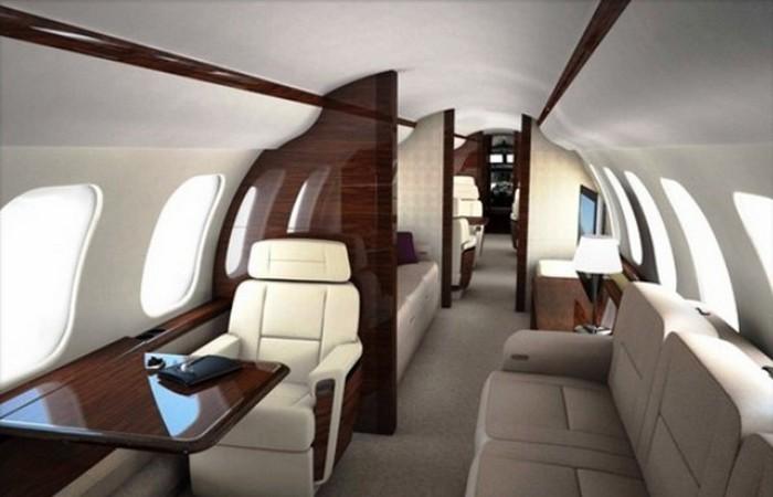 Частный самолет Bombardier Global 7000.