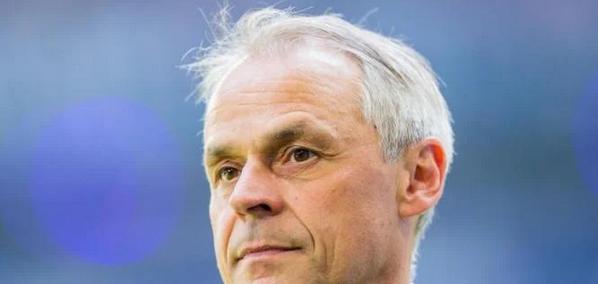 2020-12-19-11-38-11-1-Bundesliga-Thon-w-nscht-sich-B-skens-l-nger-als-Schalke-Trainer-News-Fus