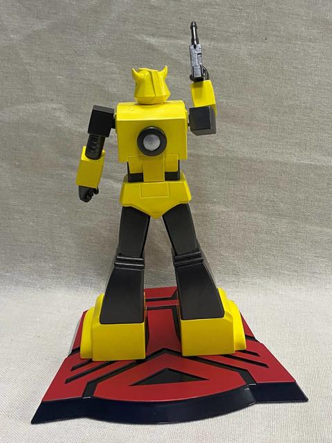 Pop-Culture-Shock-9-inch-G1-Bumblebee-3